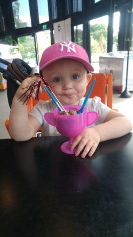 När Rut mår bra äter vi glass och firar